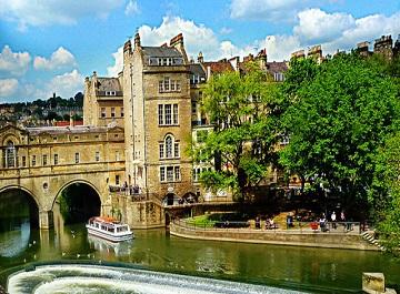 شهر باث یک حمام تاریخی در اروپا