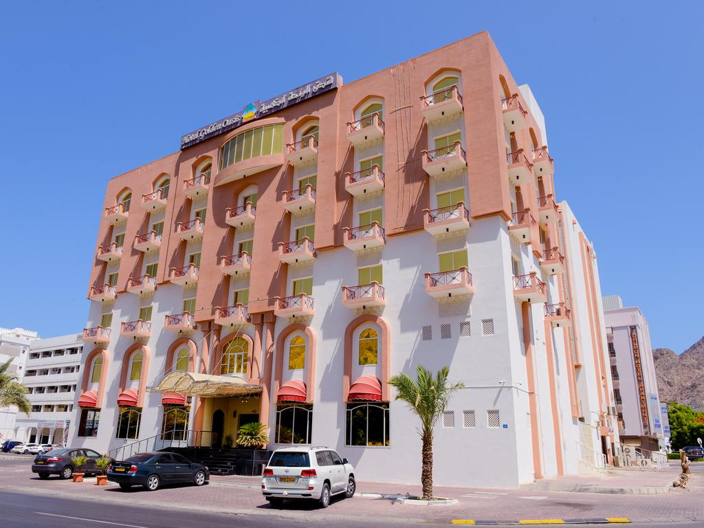 هتل Hotel Golden Oasis