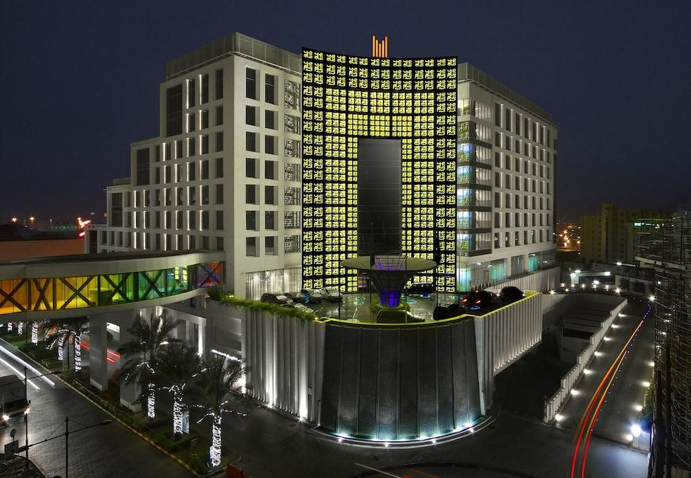 هتل Grand Millennium Muscat