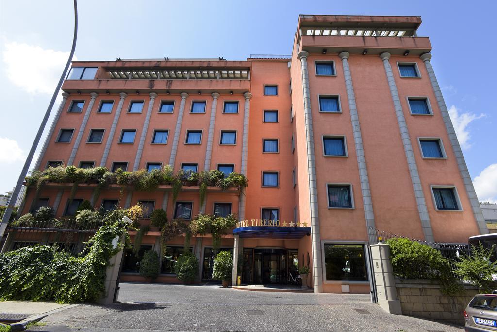 هتل Grand Hotel Tiberio