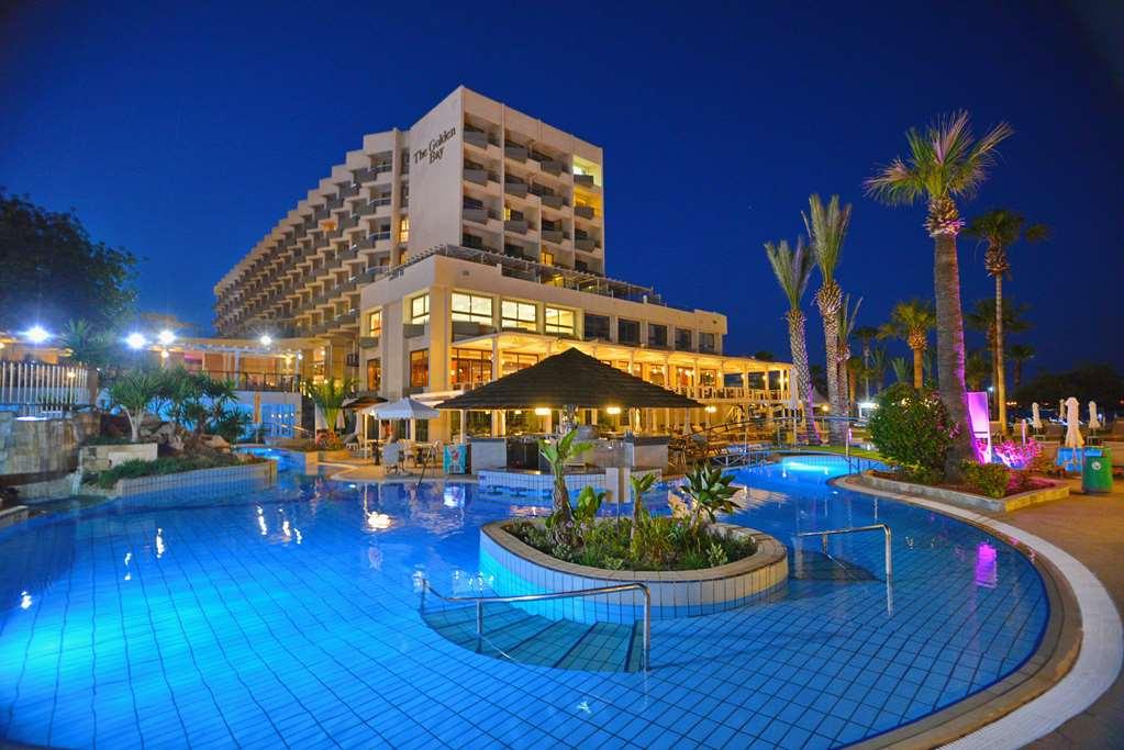 هتل Golden Bay Beach