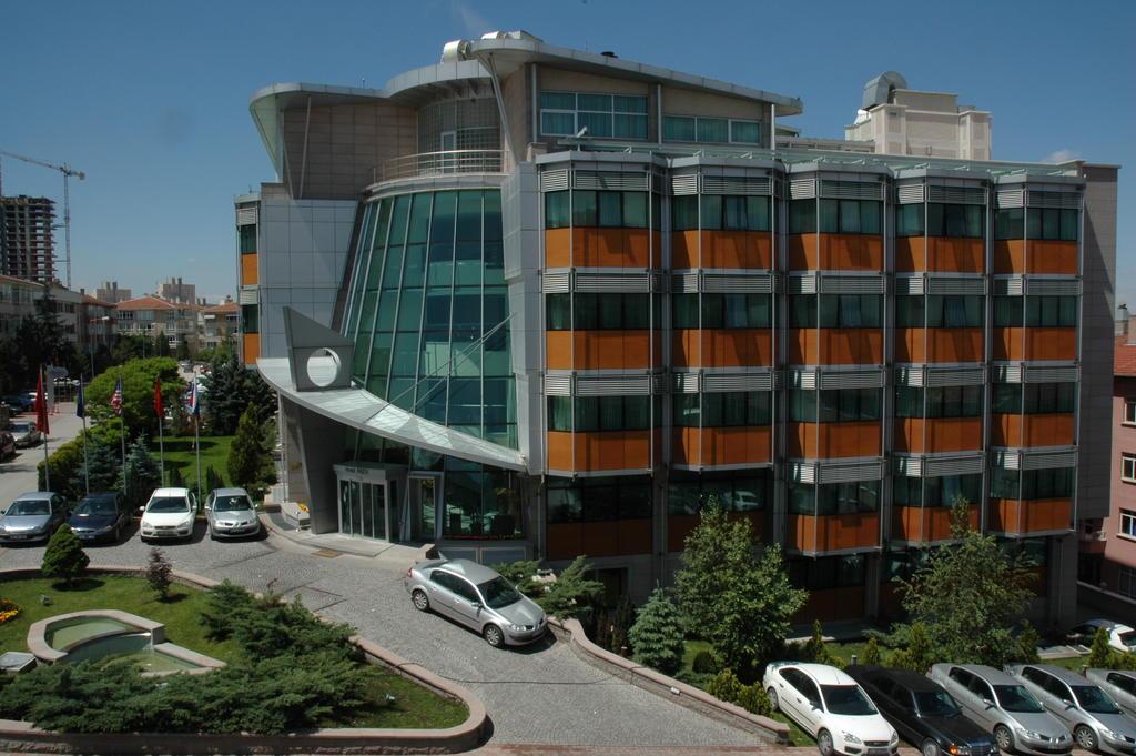 هتل Hotel Midi