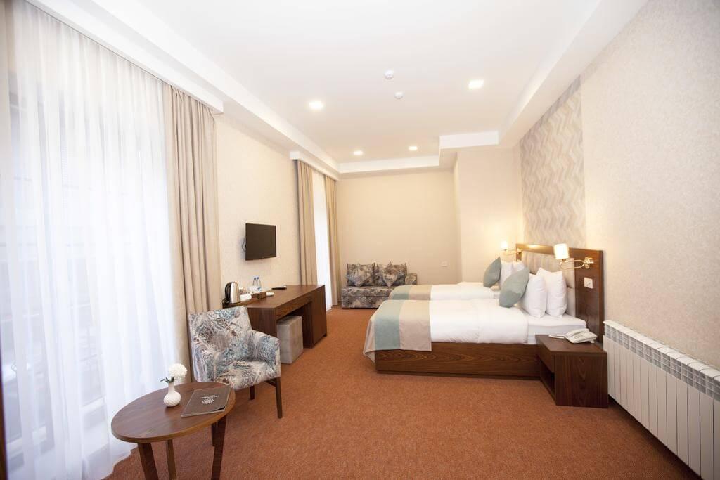 هتل auroom
