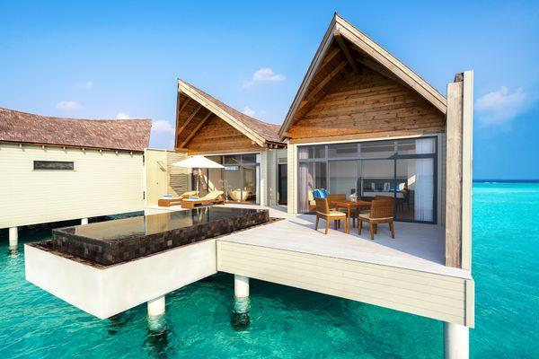 هتل Mӧvenpick Resort Kuredhivaru Maldives