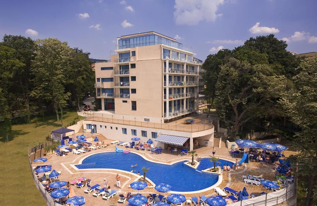 هتل hotel holiday park varna