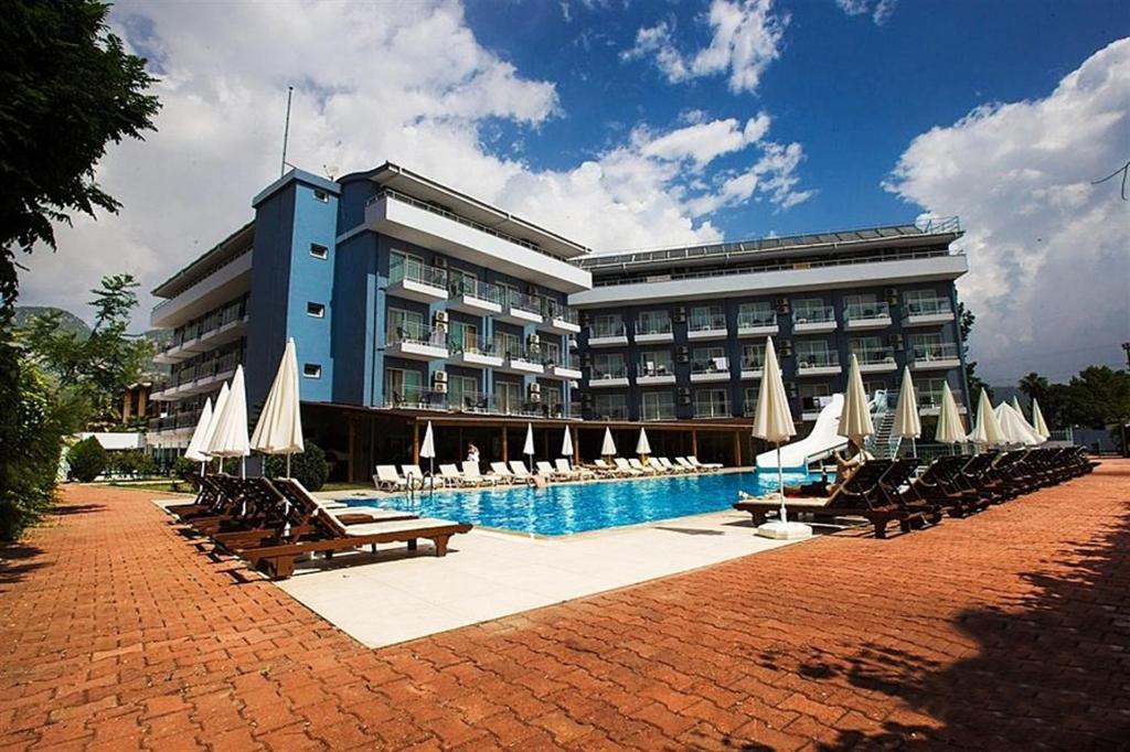 هتل Monna Roza Beach