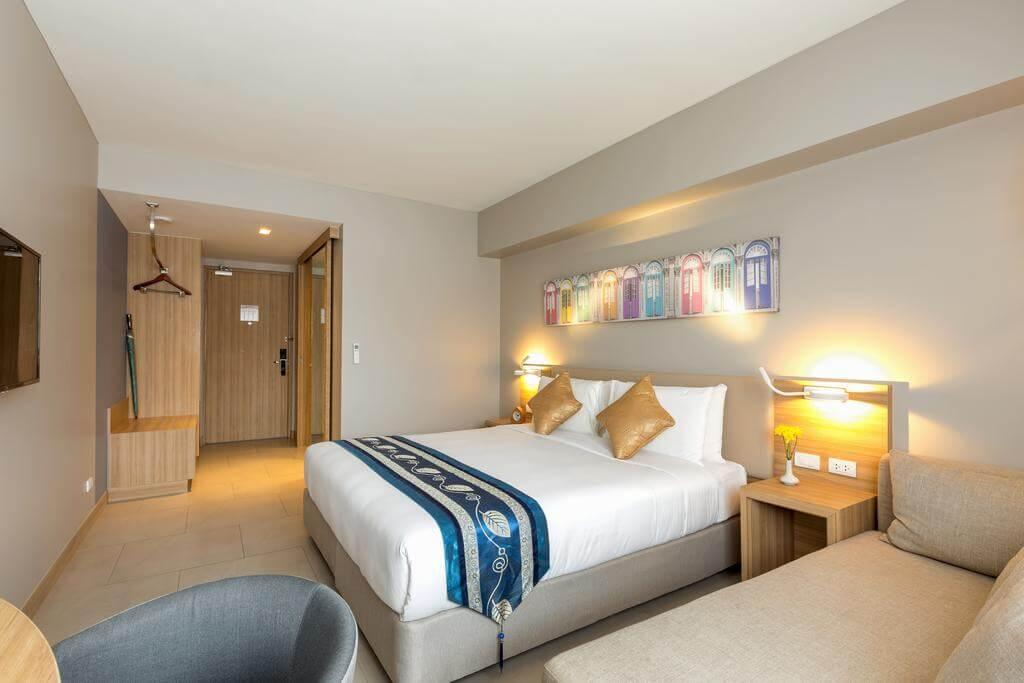 هتل Oakwood Hotel Journeyhub Phuket