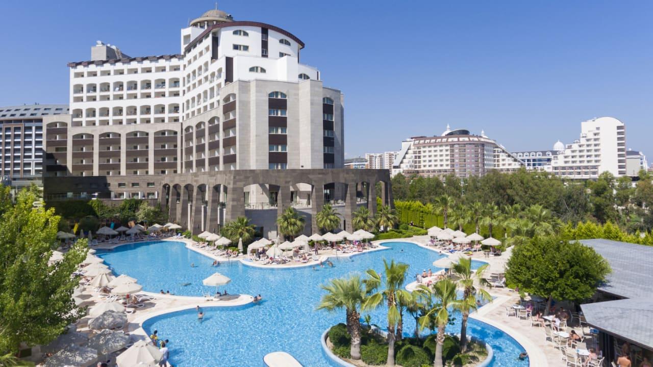 هتل Melas Lara
