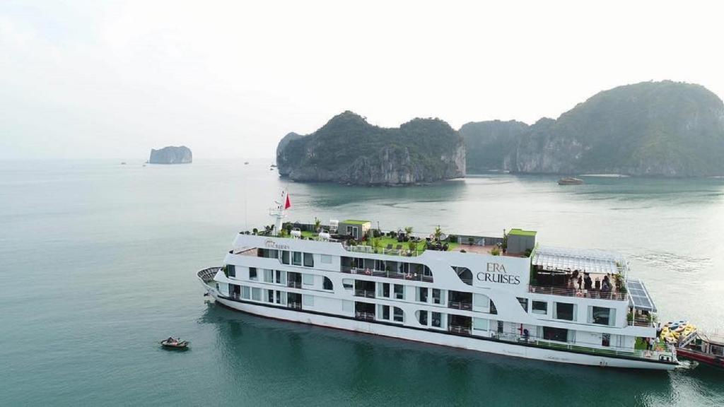 هتل era cruise hotel Vietnam